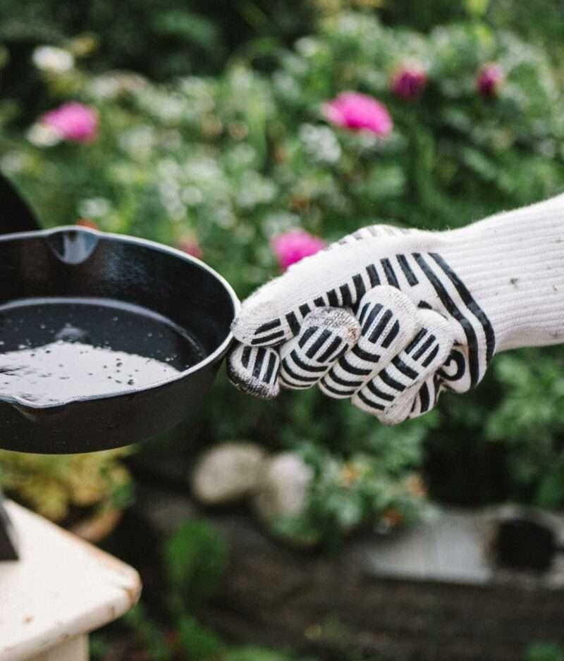 Bilde av varmeisolerende hansker som brukes til pizzaovn fra gruue