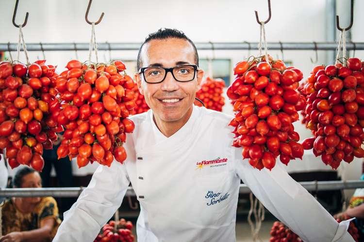 Gino Sorbillo verdensmester i napolitansk pizza bruker la fiammante